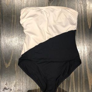 Vince Camuto one piece swimsuit size 8